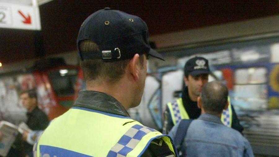 Crime ocorreu na Linha de Sintra e os detidos já estavam referenciados pela polícia