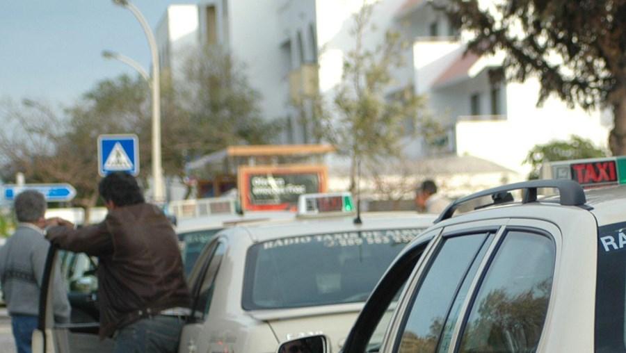 Motoristas de táxis revoltados