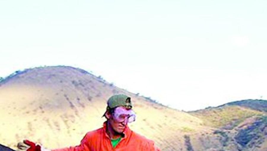 Surf de vulcão para os aventureiros