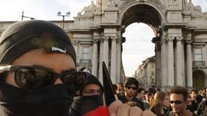 Imigrantes manifestam-se contra discurso xenófobo