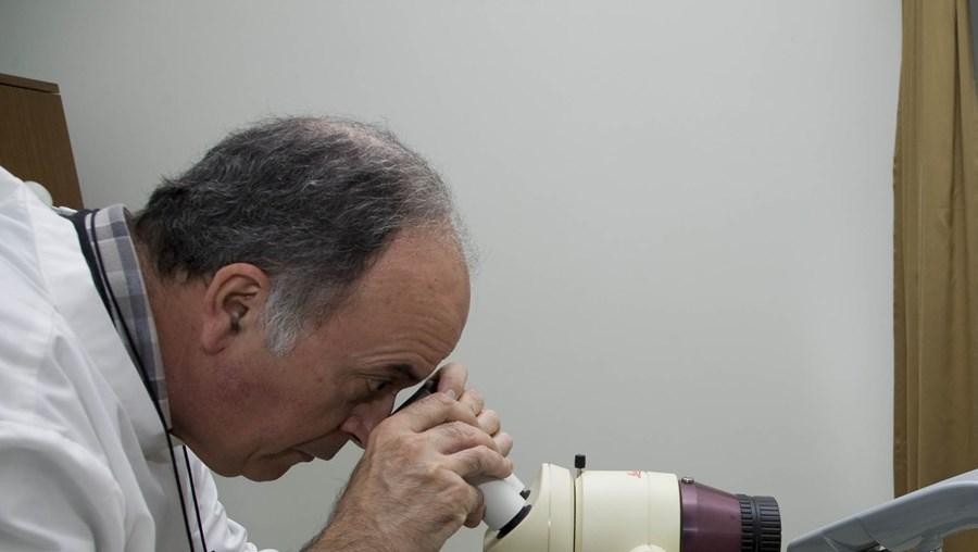 Vacina do cancro do colo do útero aplica-se na região desde Outubro de 2008. Cobre 4 dos mais de 200 tipos de HPV. O rastreio por citologia permite detectar a doença ainda em fase pré-cancerígena.