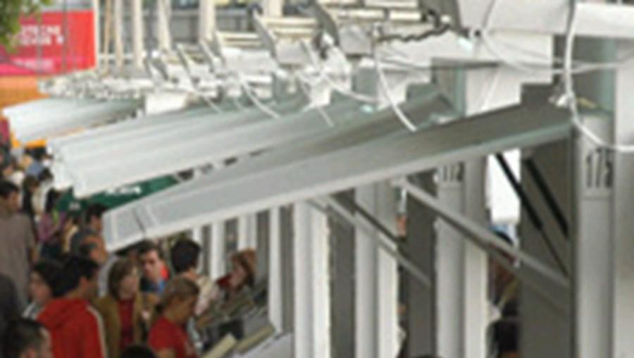 Entre 100.000 a 200.000 visitaram a Feira do Livro deste ano