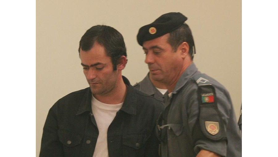 Confissão, a que o CM teve acesso, escrita na prisão da Carregueira