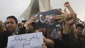 Teerão: Novos confrontos junto ao Parlamento