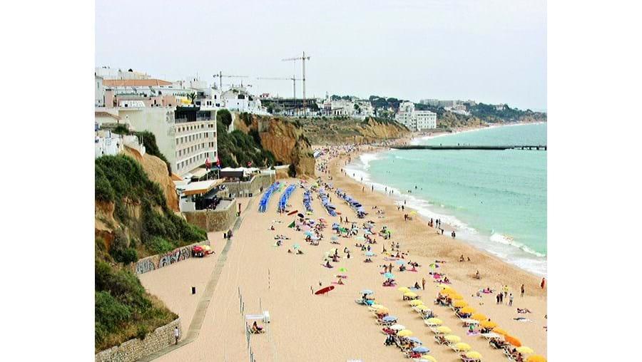 Praia do Peneco só terá iluminação definitiva na falésia em 2010