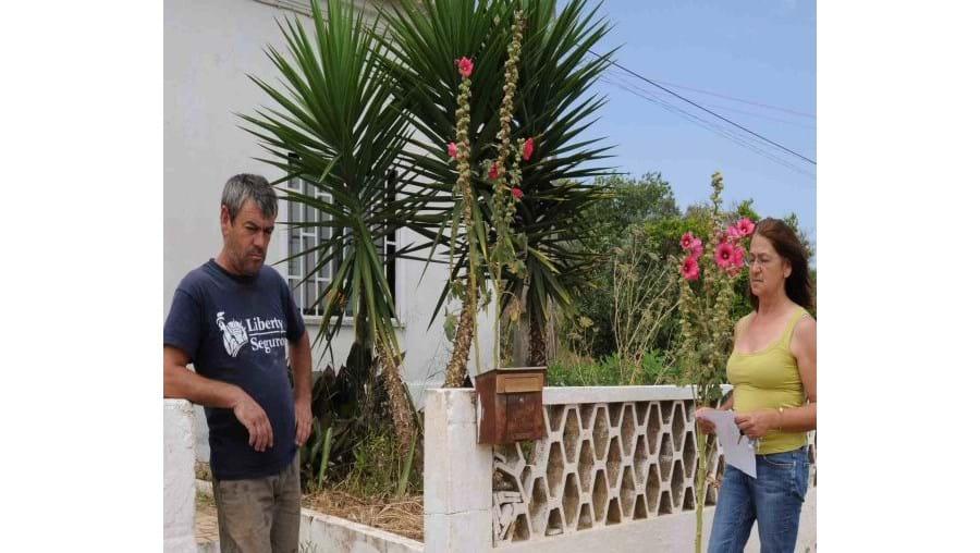 Luís e Mariana Lima, dois dos cinco filhos de Maria da Conceição, de 86 anos, que desapareceu na tarde de segunda-feira