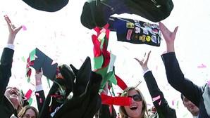 447 mil diplomas numa década