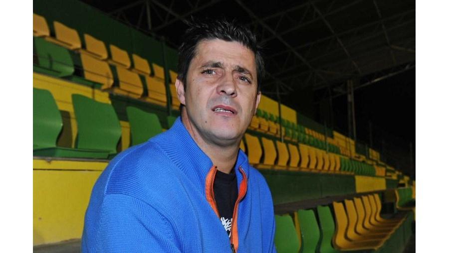 Fernando Mendes é o único jogador da história do futebol português a actuar nos cinco clubes campeões: Sporting, Benfica, Boavista, Belenenses e FC Porto