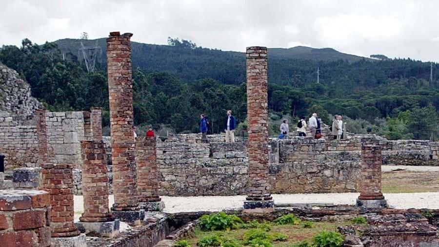 Dos 22 hectares de extensão da cidade romana, oito são de particulares