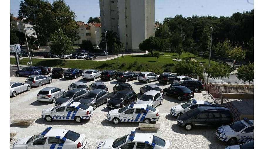 Os carros da PSP de Lisboa estão agora limitados a resolver ocorrências e a ficar parados à espera de outras