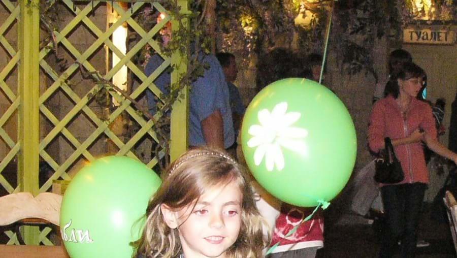 A pequena Alexandra ficou feliz com o passeio a Moscovo