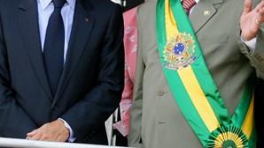 França e Brasil assinam acordo militar