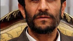 Irão: Ahmadinejad classifica o Holocausto como um 'mito'