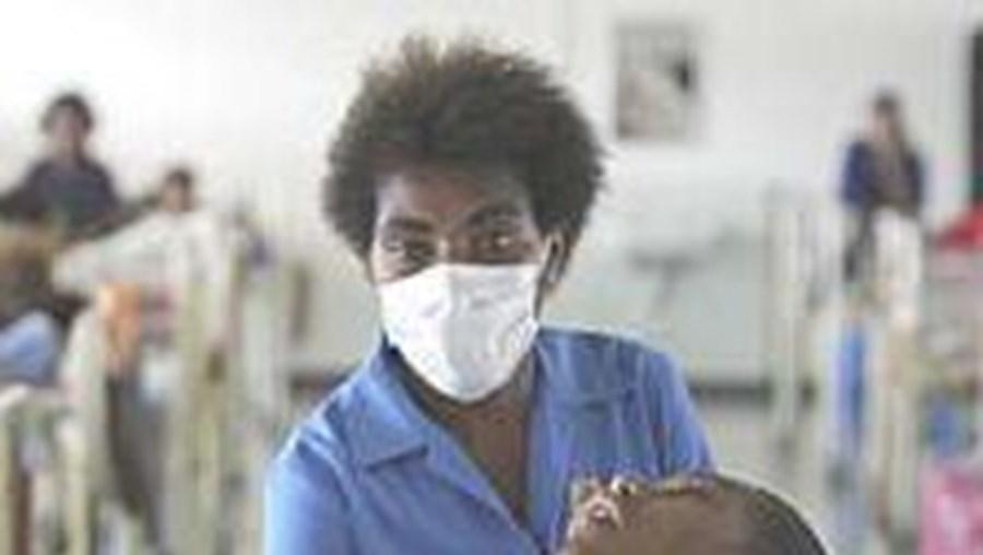 Jovem com sida no hospital