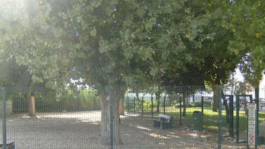 Granja de Alpriate quer parque infantil