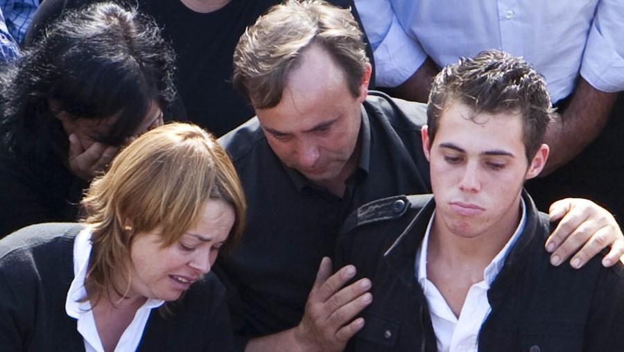 Tânia Silva:  A jovem, de 18 anos, conduzia a carrinha onde seguia com mais sete amigas. Ontem no funeral a revolta era bem visível entre as pessoas.