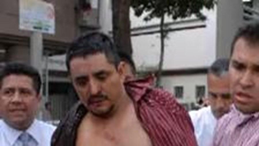 Foram necessários 12 agentes para deter Castillo