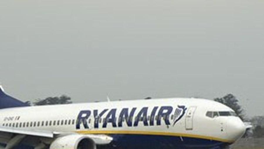 Ryanair oferece um milhão de lugares a cinco euros
