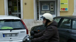 Dupla ataca de moto