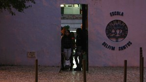 Assaltam alunos dentro da escola