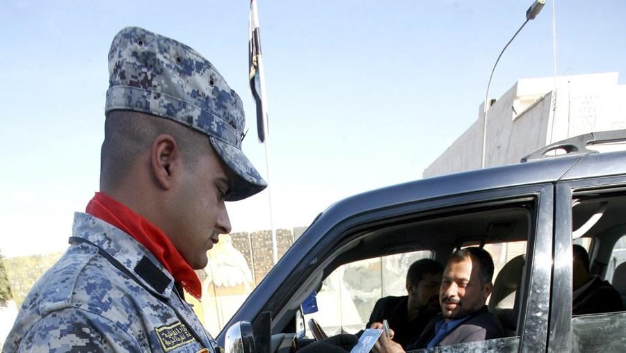 Detectores de explosivos vendidos por Jim McCormick são usados no Iraque