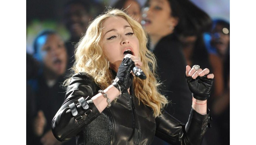 Madonna e Bruce Springstenn foram nomes fortes de um serão que reuniu mais de cem artistas pela causa