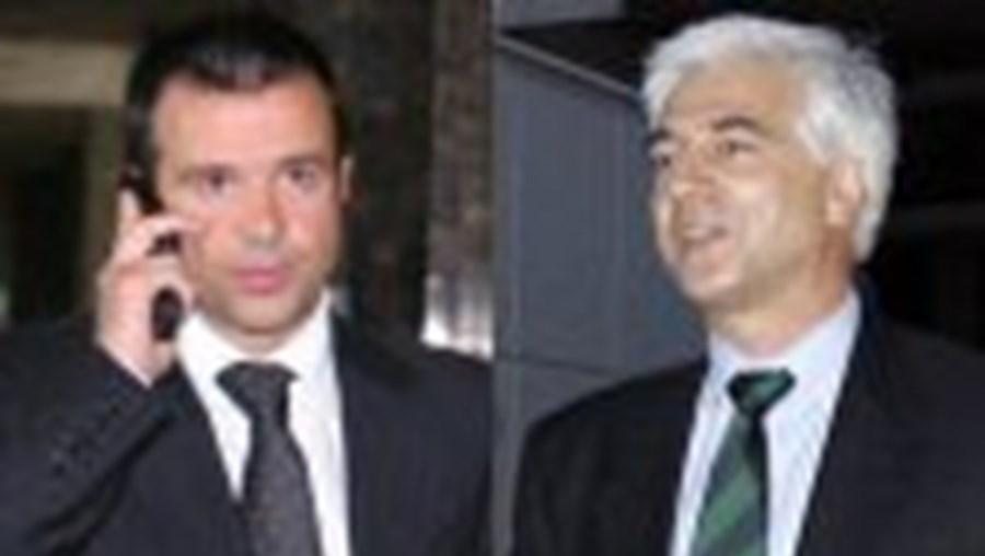 José Bettencourt não toma decisões (reforços e vendas) sem consultar o agente Jorge Mendes (esq.)