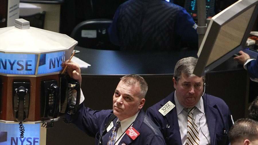 O que aconteceu com Portugal e Espanha influenciou a Bolsa americana. Nem os bons resultados da Cisco inverteram a tendência.