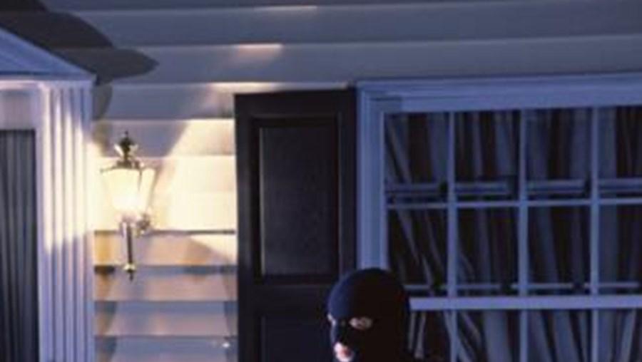 O assalto ocorreu no interior da casa da vítima