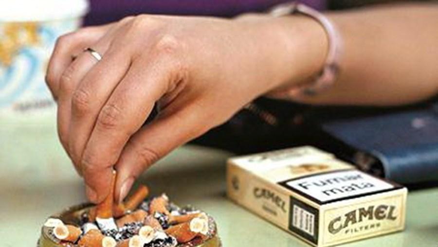 Beatas de cigarros