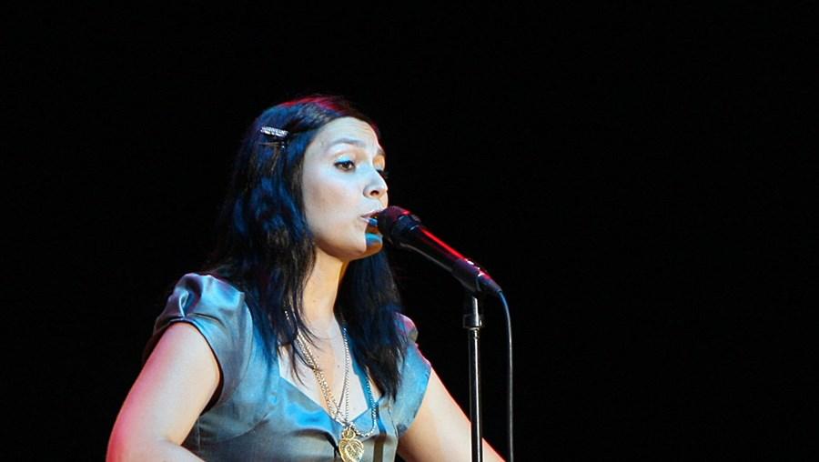 Ana Bacalhau é vocalista dos Deolinda