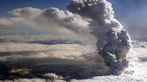 Reino Unido: Começa a cair cinza vulcânica