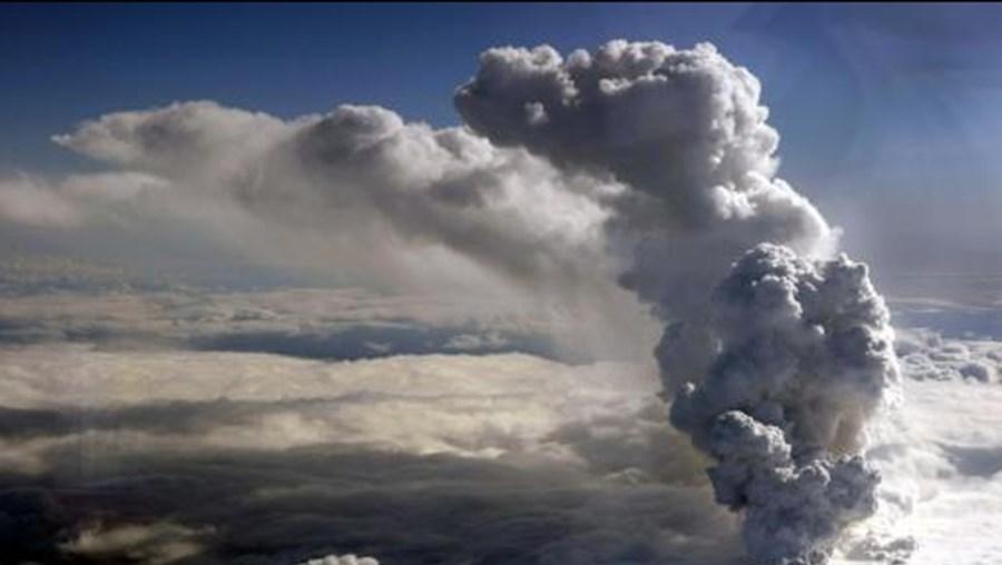 A cinza vulcânica não é perigosa porque não é tóxica