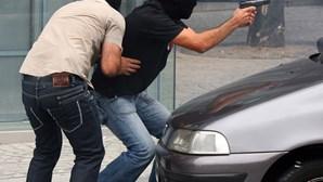 Gang dispara contra polícia