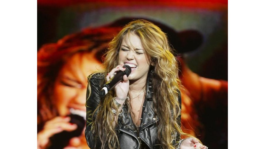 'Hannah Montana' mostrou em palco que já é crescida