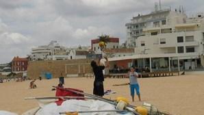 Praia ainda sem nadador-salvador