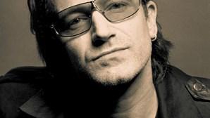 Bono dobra participação no Facebook