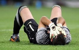 Eduardo foi a figura do jogo e não aguentou a desilusão no final da partida
