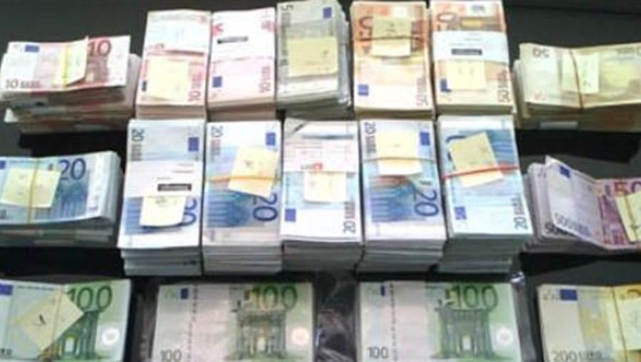 Taxas Euribor sobem ligeiramente
