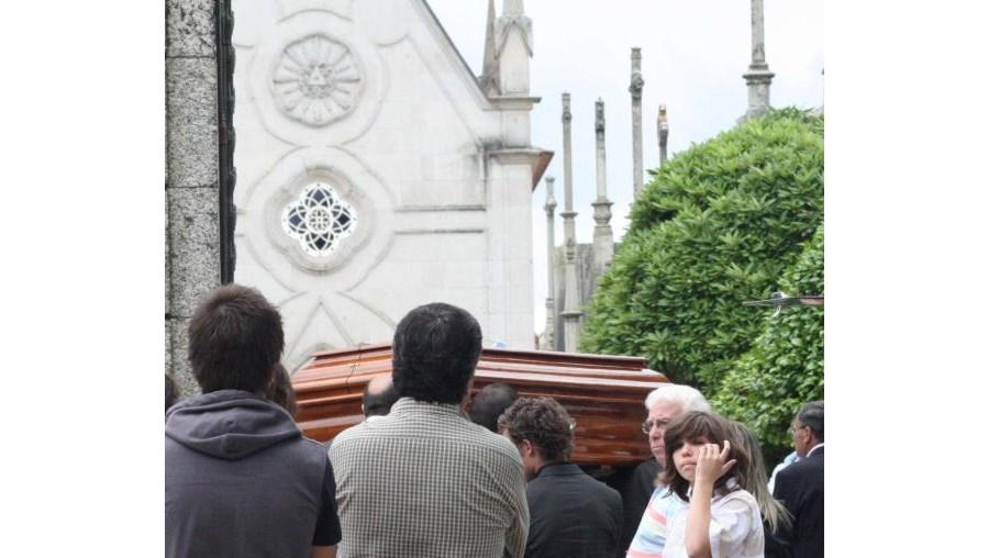 Funeral foi ontem à tarde no cemitério da Atouguia, em Guimarães