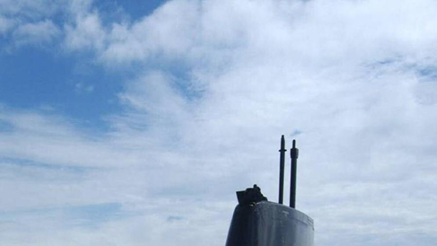 A aquisição de dois submarinos a um consórcio alemão, em 2004, está a ser investigada, desde 2006, pelo Departamento Central de Investigação e Acção Penal (DCIAP)