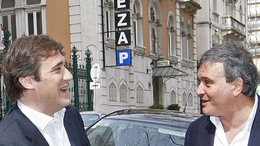 Passos Coelho e Miguel Relvas querem abrir o PSD à esquerda