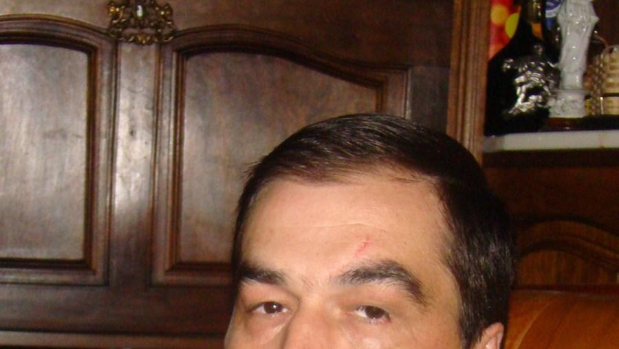 O autarca Carlos Pina foi baleado quando regressava a casa em Lamego. Populares ficaram surpreendidos