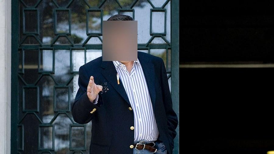 O arguido apresentou-se ontem em tribunal tranquilo, em silêncio e sem mostrar sinais de arrependimento