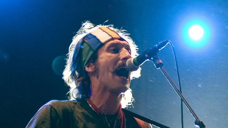 Eugene Hutz, vocalista dos Gogol Bordello, electrizou a plateia na noite de sábado