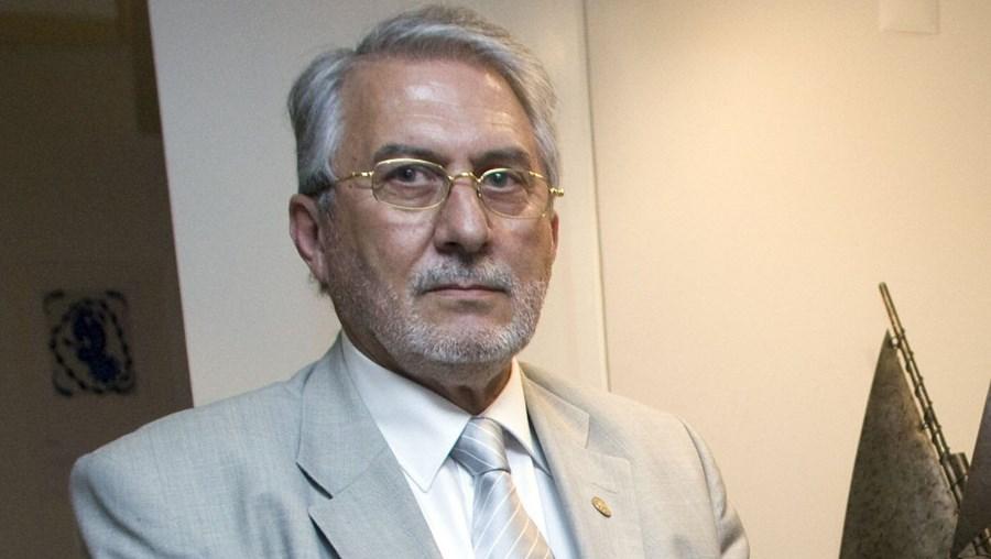 Fábrica de painéis solares de Alexandre Alves foi reconhecida como Projecto de Interesse Nacional apenas seis dias antes das eleições legislativas.