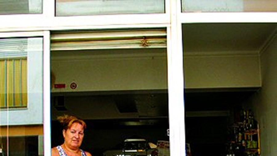 Helena Ramos no café assaltado