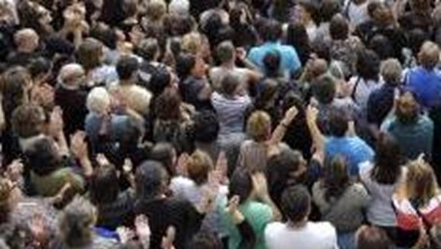 Multidão entra em pânico numa 'Love Parade'