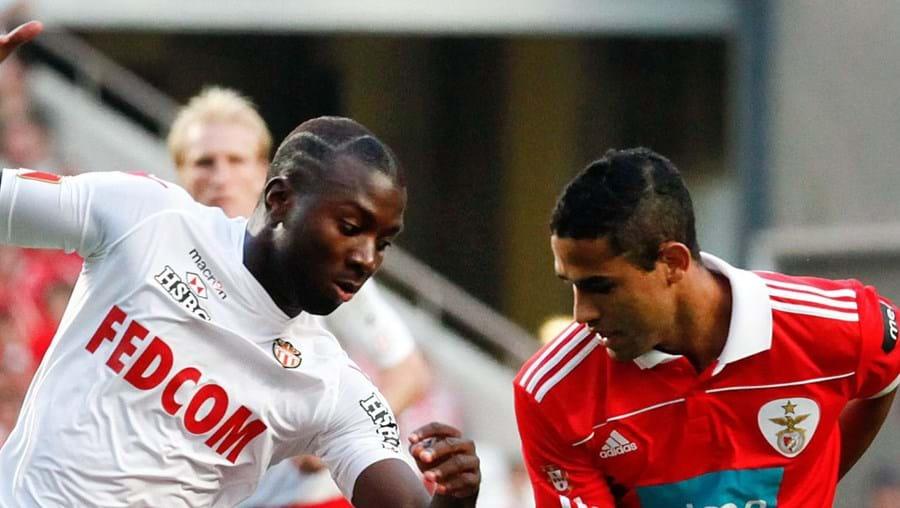Mongongu disputa a bola com Kardec