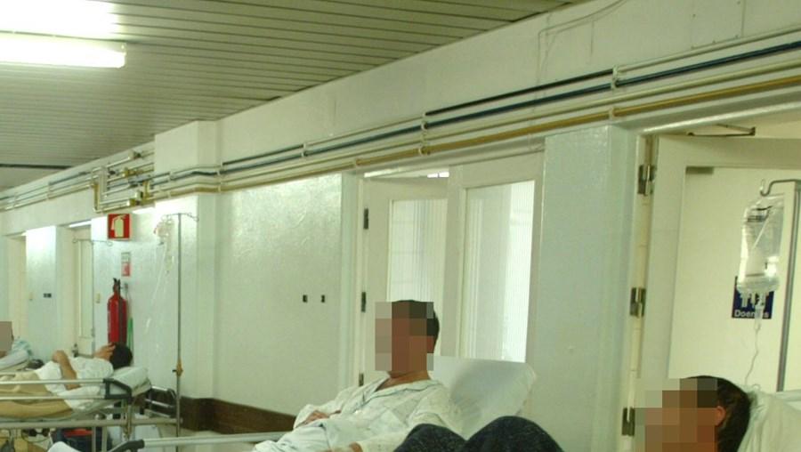 Hospital de São José diz que o corpo se manteve resguardado e longe dos olhares dos doentes